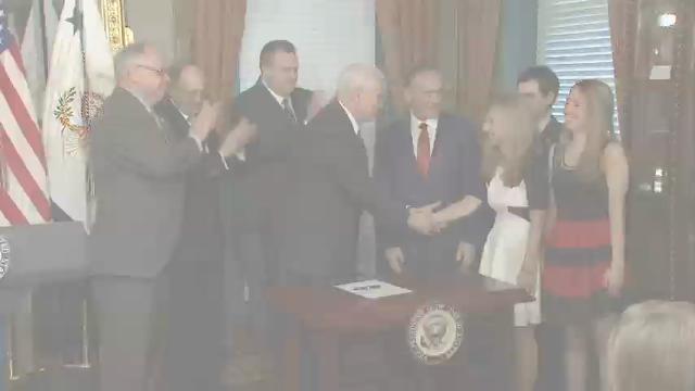 Trump Secretary of VA and head of SBA sworn in