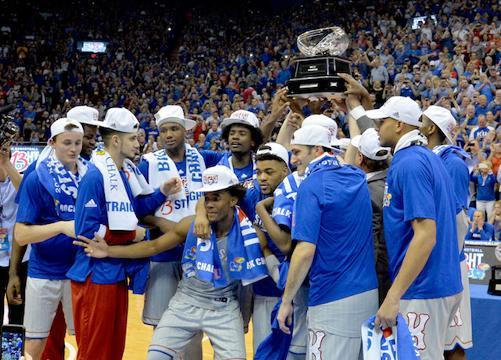 Kansas takes over top spot in men's college basketball poll