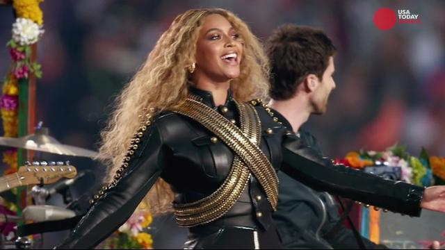 Who should perform at Super Bowl LII halftime show?