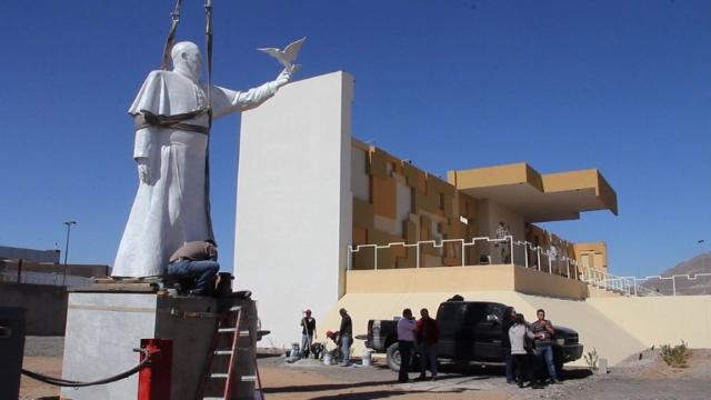 Mexico just unveiled a giant Pope statue on U.S. border