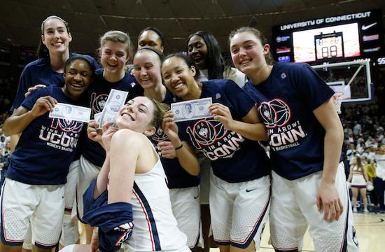 Top-ranked UConn (25-0) extended its record streak to 100 wins in a row by defeating No. 6 South Carolina 66-55.