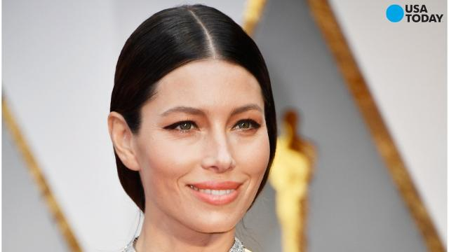 Take a look at the best and worst dressed celebrities at the 89th annual Academy Awards ceremony.