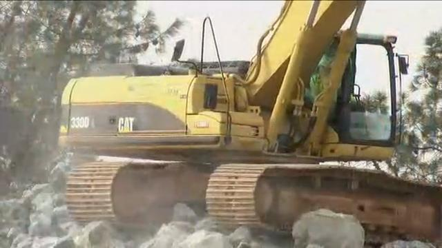 Raw: Crews work to shore up spillway at Oroville