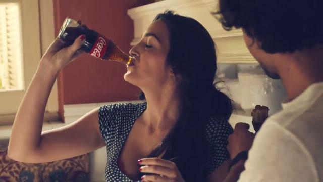 Coca-Cola's mouth-watering Super Bowl ad features foodies preparing (and eating) a variety of gourmet meals.