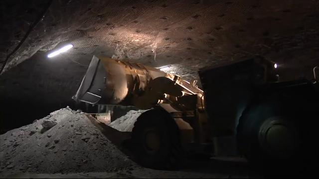 Salt Miners Chip Away at Winter Need