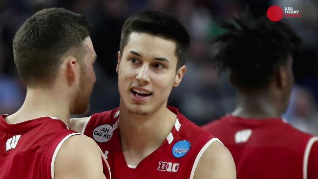 Wisconsin shocks No. 1 Villanova in second round