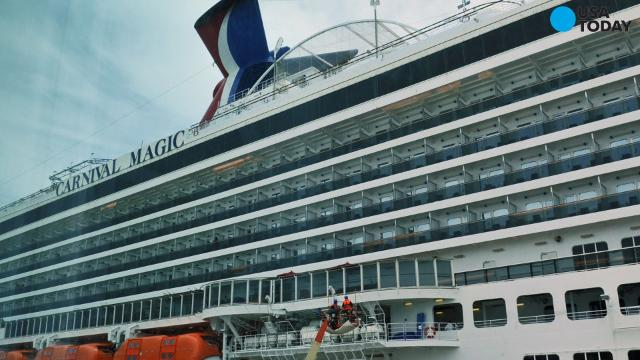 Carnival cruise ship comes within feet of hitting two ...