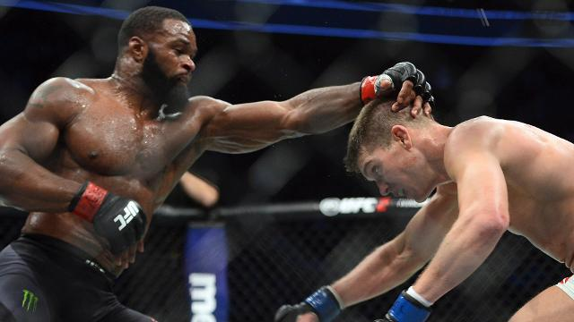 See the top shots from welterweight champion Tyron Woodley's majority decision victory over Stephen Thompson in their rematch at UFC 209.