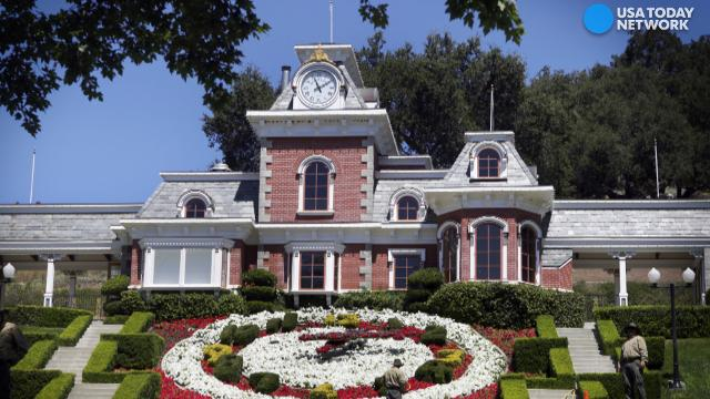 Michael jackson 39 s neverland ranch up for sale again for Michael jackson house for sale