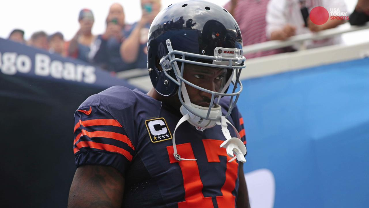 USA TODAY Sports' Lindsay H. Jones explains why the Philadelphia Eagles are signing Alshon Jeffery and Torrey Smith.