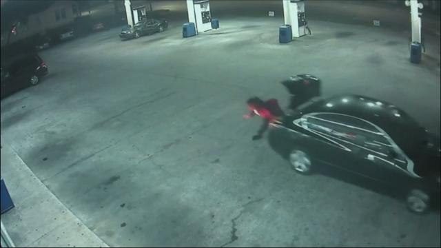 Ala. Woman Foils Kidnapper With Daring Leap