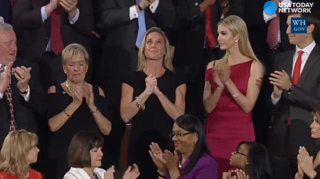 Navy SEAL widow gets long ovation during Trump's speech