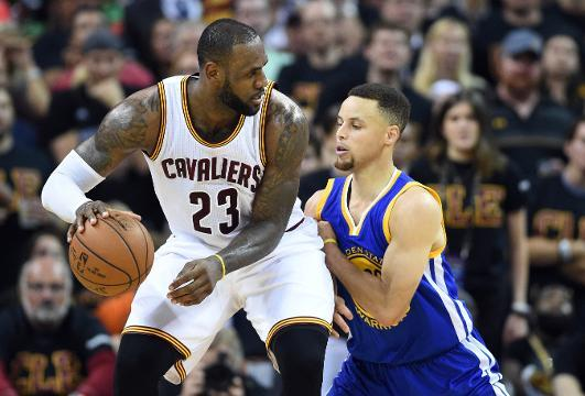Stephen Curry beats out LeBron James for best-selling NBA jersey