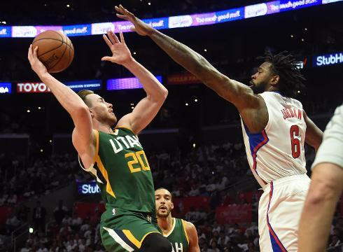 Utah's Gordon Hayward lifts Jazz over Clippers