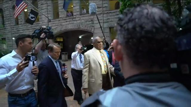 Cosby Arrives for Jury Selection