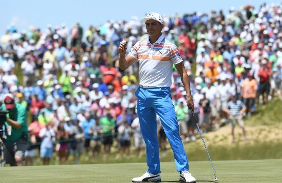 Rickie Fowler leads through opening round of U.S. Open