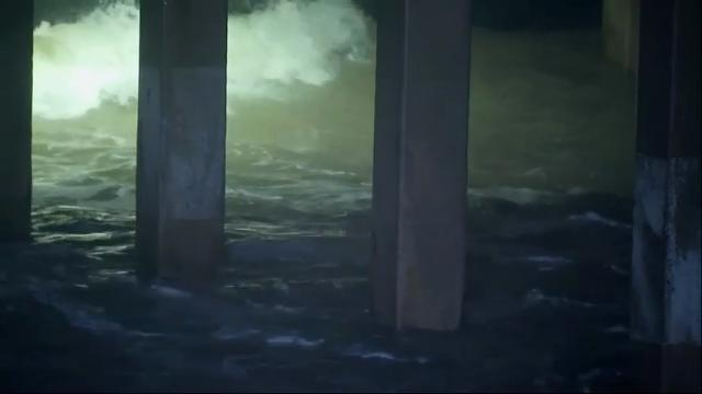 Raw: TS Cindy's Rain and Waves in Texas