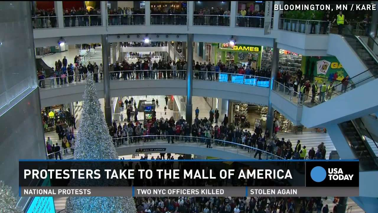 Arrests as hundreds protest at mall of america jameslax Images