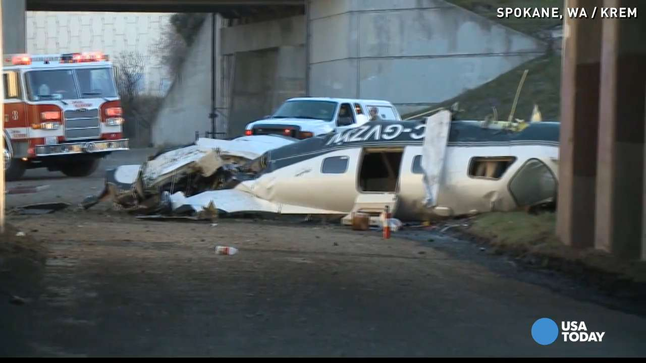 Pilot critically hurt after small plane crashes in Wash.