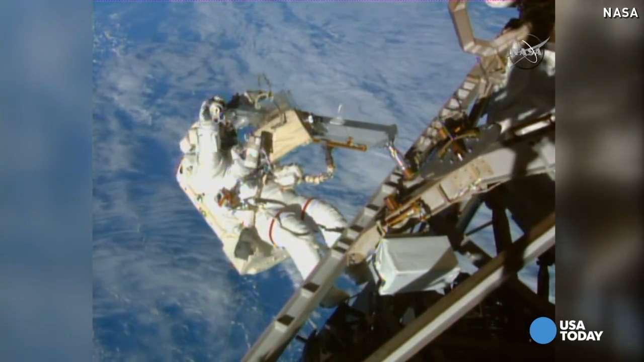 NASA astronauts make spacewalk look like cakewalk