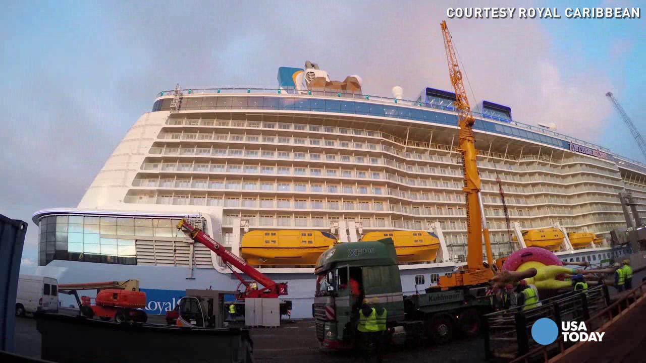 Meet Anthem of the Seas 32-foot mascot