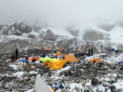 NJ man survives earthquake at Mt. Everest