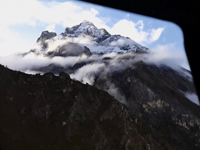 Raw: Death toll climbs on Mount Everest