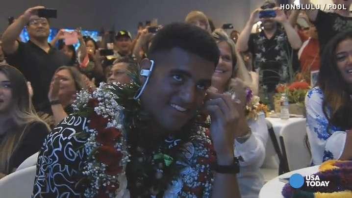Watch Marcus Mariota react to Titans draft in Hawaii