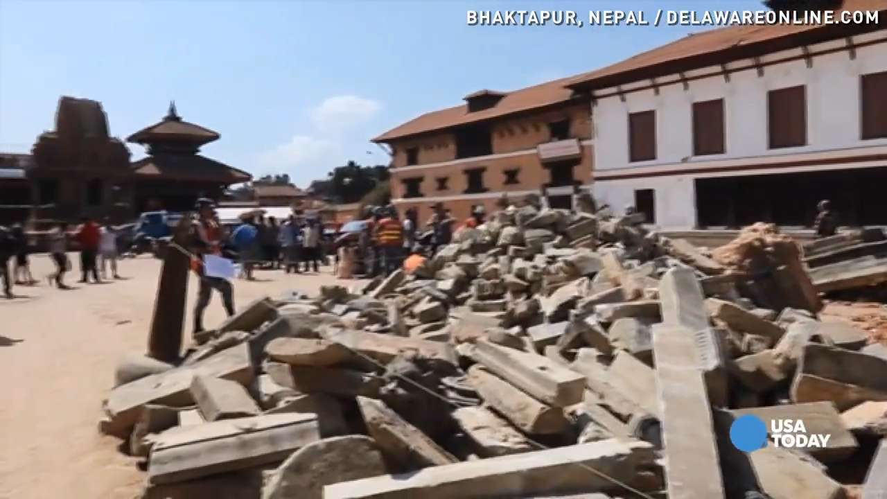 Second quake strikes Nepal, shakes citizens faith