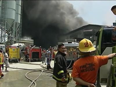 Raw: Dozens feared dead in Philippines fire