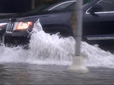 Raw: Heavy Rain, Floods Swamp South Texas