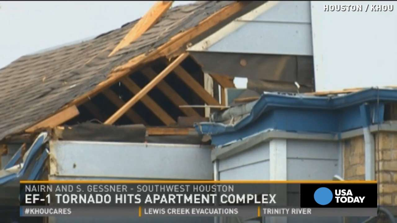 EF-1 tornado rips apart Houston apartment complex