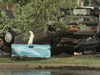 Raw: Storm Flips Cars in SW Ohio