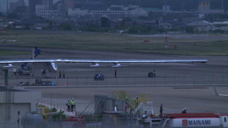 Solar impulse unscheduled landing amazes Japan