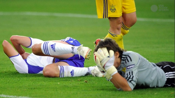 Soccer Heading Not Collisions >> Soccer Study Finds Women Suffer More Damage From Headers Than Men
