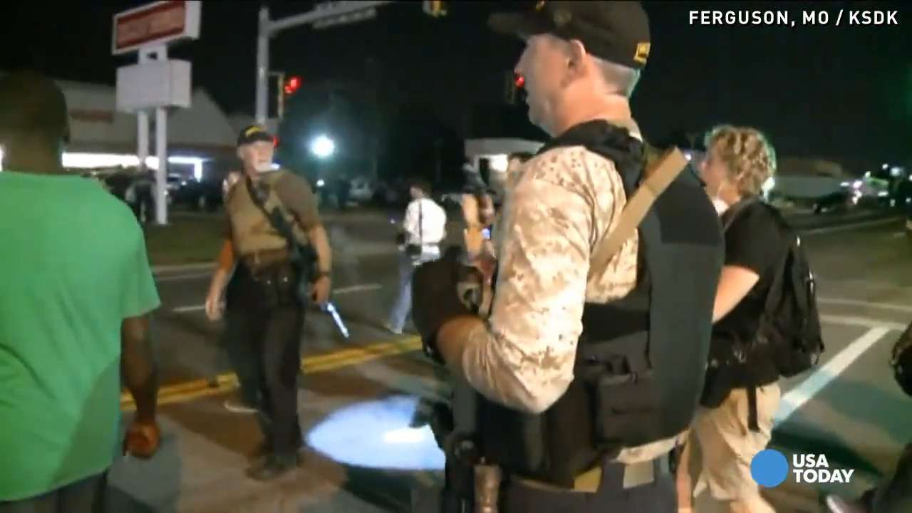 'Oath keepers' in Ferguson agitate cops and protesters