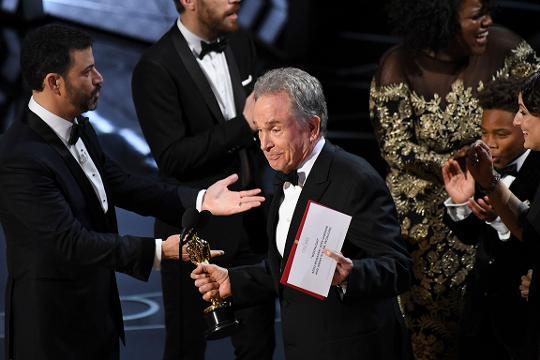 Best picture Oscar? 'Moonlight' but it's a little confusing