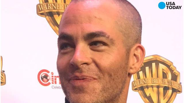 Hey Chris Pine, bald is beautiful! We caught the actor arriving to the Warner Bros. presentation on Wednesday in Las Vegas, where he debuted a freshly shaved head of barely-there hair.
