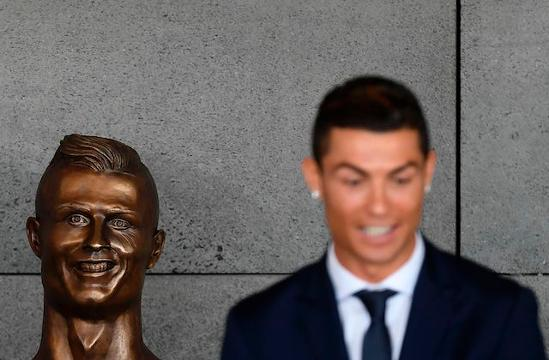 The sculptor who has faced a day's worth of backlash on social media for his Cristiano Ronaldo statue rolled with the criticism.