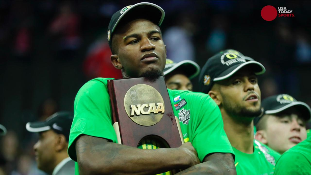 USA TODAY Sports' George Schroeder breaks down Oregon's Elite Eight victory over Kansas.