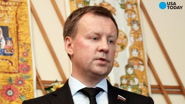 A former member of the Russian parliament, Denis Voronenkov, was shot and killed in the city of Kiev. Voronenkov, a colonel in the Russian military and a frequent critic of president Vladimir Putin, had plans to testify at the trial for treason of former Ukraine President Victor Yanukovych.