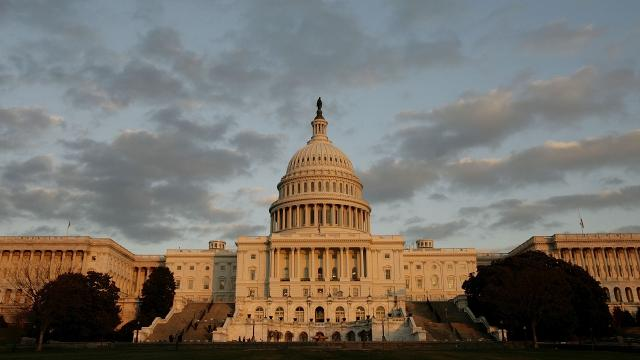 Senate votes to let ISPs sell your info to advertisers