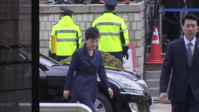 South Korea's disgraced ex-President Park Geun-hye was questioned Thursday by a court that will decide if she should be arrested over corruption allegations that have already toppled her from power. (March 30)