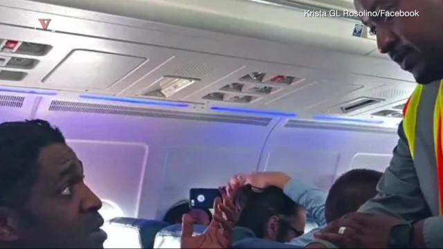 Another video from an airplane has surfaced of this man getting kicked off a Delta flight, this time for using the restroom! Susana Victoria Perez (@susana_vp) has more.