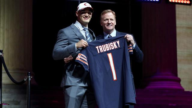 Bears make shocking move by trading up to take Mitchell Trubisky