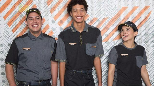 McDonald's just debuted their new uniforms and people on social media were quick to point out they look like something from a galaxy far, far away. Sean Dowling(@seandowlingtv) has more.