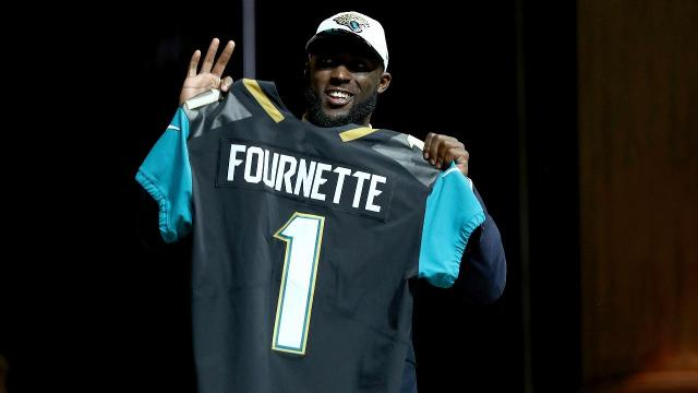 Jaguars improve offense by selecting Leonard Fournette with No. 4 pick