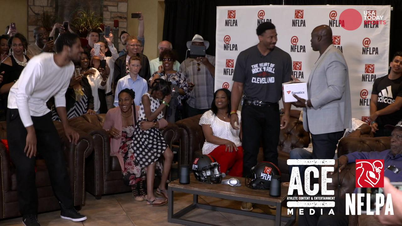 Behind the scenes of Texas A&M defensive end Myles Garrett's family watch party.
