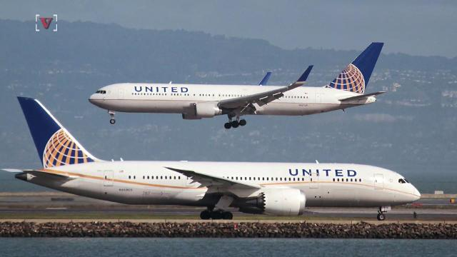 United Airlines staff can no longer take boarded passengers' seats