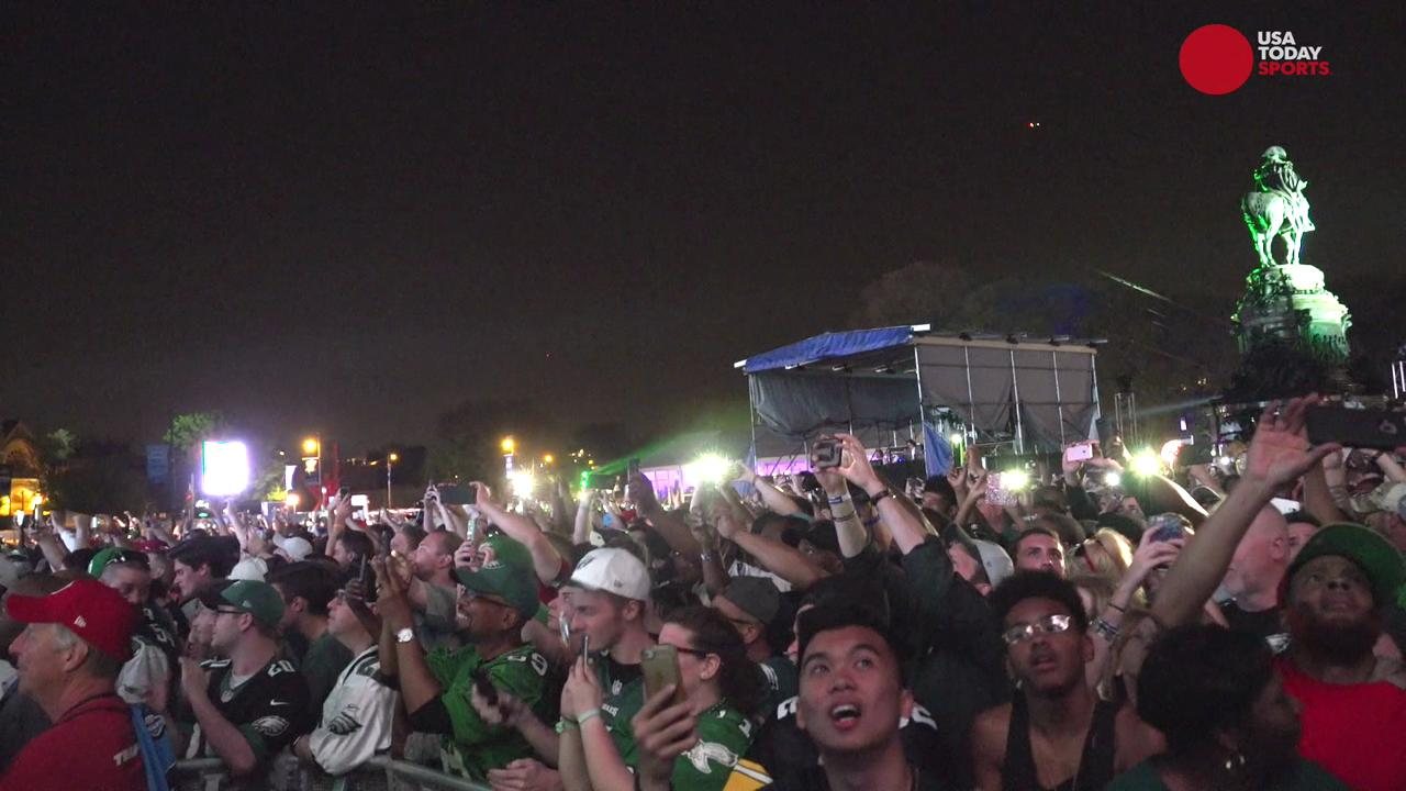Watch Eagles fans react to their first-round draft pick